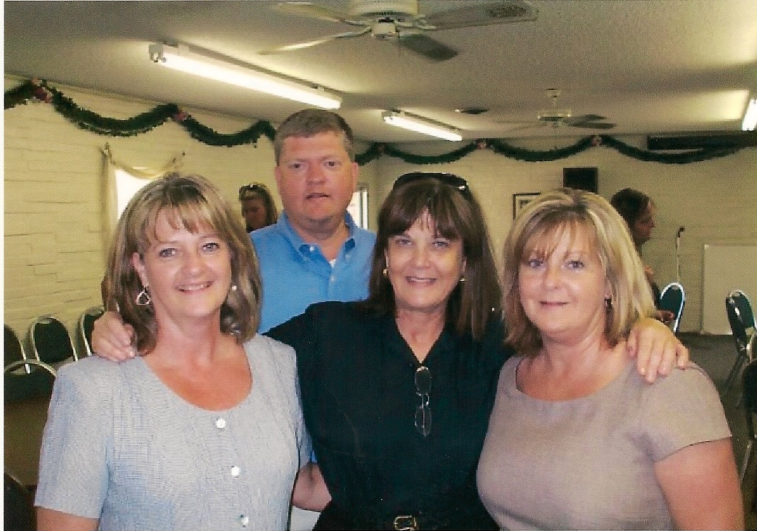 Jackie Copeland's Son & Daughters, Paula Dollins in middle