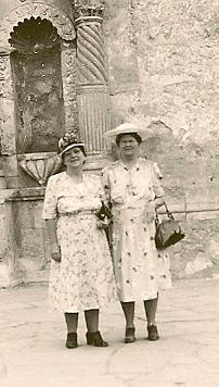 Willie Ann (Porter) Fisher & Ada Porter Ribinson in San Antonio, TX