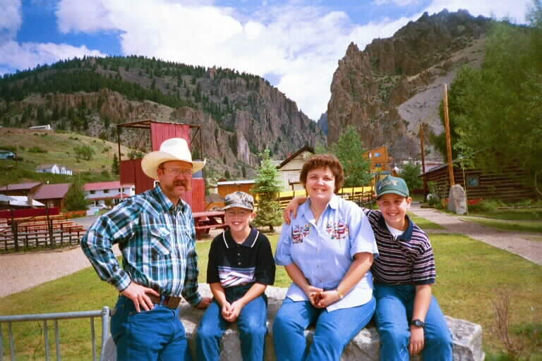 John,Penni,Cole,Boone in Creed Colorado